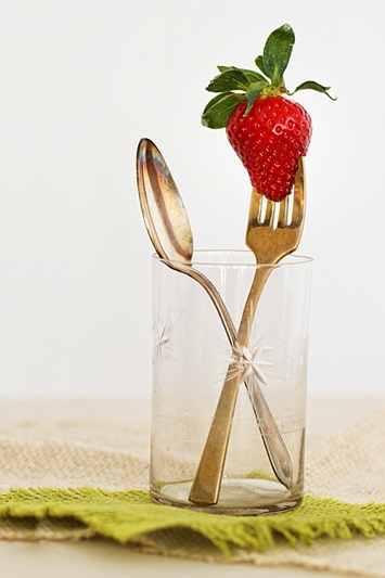 strawberry-on-fork_1291web