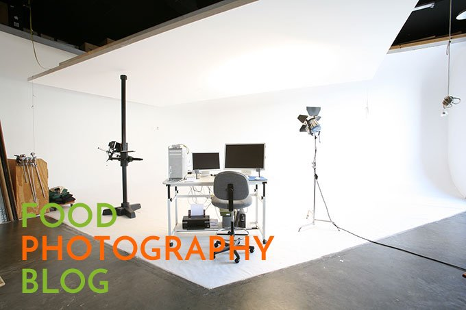 Photography Studio with white walls, white floor and white flying flat